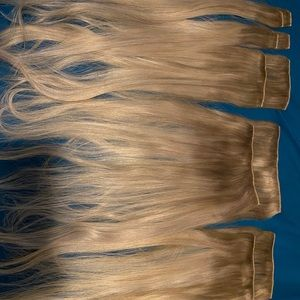22 inch extensions color is sandy blonde